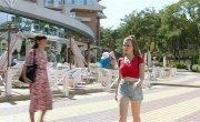 Курорт цвета хаки - 1 сезон, 5 серия