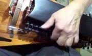 Занфона - странный средневековый струнный инструмент.