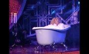 «Абсолютно голая!»_ Успенская в ванне с пеной предстала на шоу Малахова