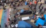 В Вашингтоне мужчина открыл стрельбу по протестующим