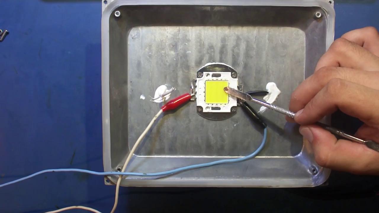 Ремонт драйвера прожектора своими руками 977