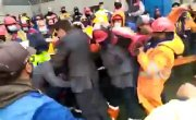 В торговом порту Владивостока протестующие закидали касками нового руководителя