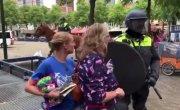 Вежливые полицейские в Голландии