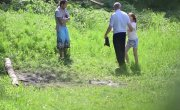 Мужчина подорвал себя на глазах у девушки и полиции 18+