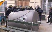Французская полиция разгоняет протестующих