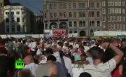 В Амстердаме прошли помидорные бои в знак протеста против российских санкций