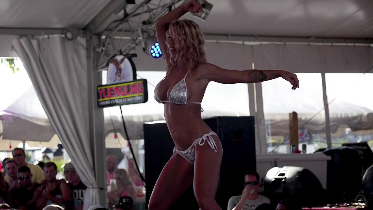 Bar bikini contest — pic 5