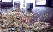 Завалило мусором