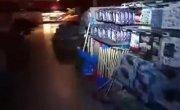 Ночью в магазине