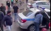 Мигранты толпой напали на полицейских в Москве!