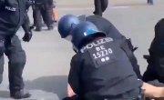 Немецкие полицаи вышли на охоту