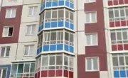Дебошир выбрасывал с балкона мебель на припаркованные авто