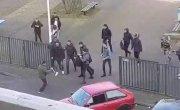 В Голландии школьники наваляли, напавшему