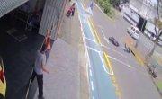 Куда ж все эти мотоциклисты так спешат