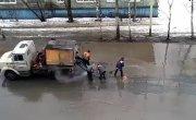Обычный ямочный ремонт в Архангельске..