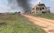 Турецкий солдат, переживший авиационный удар ВКС РФ, пятится и поскуливает