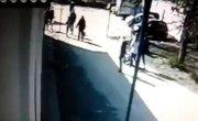 Подросток ударил самокатом маленько мальчика, случайно задевшего его (17.04.2016)