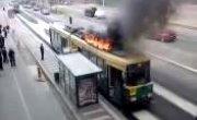 В Хельсинки на ходу загорелся трамвай с пассажирами