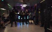 СОБР и ОМОН Работают по ночным клубам оперативная съёмка