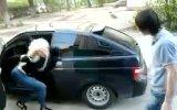 Русская нимфоманка, очень любящая нерусских,танцует у их у посаженной приоры))