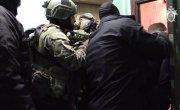 """""""Лицом вниз!"""" ФСБ показала, как нагрянула к финансистам ИГИЛ."""