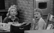 """Я люблю Люси / I Love Lucy - 7 сезон, 4 серия """"Люси заводит скаковую лошадь / lucy wants a racehorse"""""""
