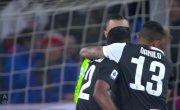 Криштиану Роналду завис в воздухе и забил красивый гол головой.