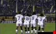 Парагвайский вратарь Хосе Луис Чилаверт отбивает «мёртвый» штрафной удар Марадоны