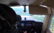 У самолета отказал двигатель во время полета