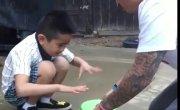 Отец грязно пошутил над сыном, а сын ему отомстил. ЖЕСТЬ!! УГАР!!!