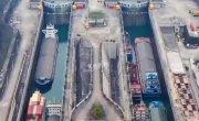 Шлюз на китайской плотине