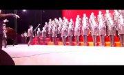 В китайском хоре  80 человек рухнули вместе со сценой