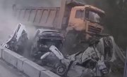 Видео страшной аварии на М-5 в Челябинской области .