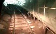 Мэр Красноярска покатался в Красноярском метро. Пока только так.